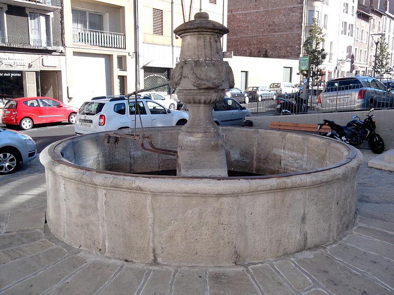 Photo du Monument Historique Fontaine situé à Le Puy-en-Velay
