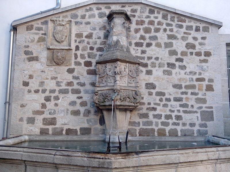 Photo du Monument Historique Fontaine du Theron situé à Puy-en-Velay (Le)