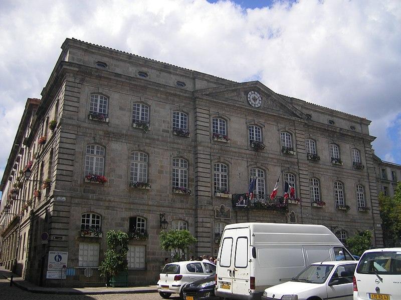 Photo du Monument Historique Hôtel de ville situé à Le Puy-en-Velay