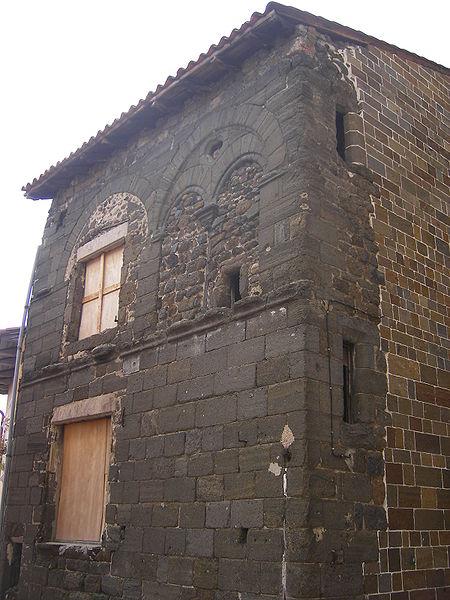 Photo du Monument Historique Maison romane situé à Le Puy-en-Velay