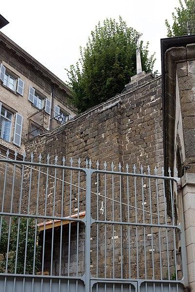 Photo du Monument Historique Mur de soutènement de la place du For situé à Puy-en-Velay (Le)