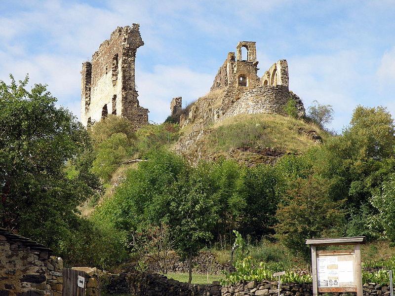 Photo du Monument Historique Château d'Artias situé à Retournac
