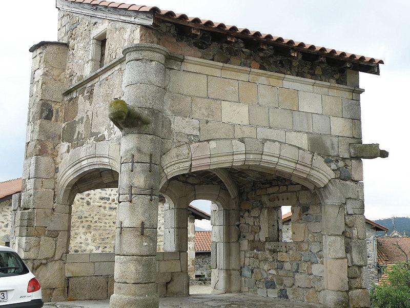 Photo du Monument Historique Prévôté situé à Roche-en-Régnier