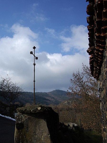 Photo du Monument Historique Croix en fer du 16e siècle situé à Saint-Arcons-d'Allier