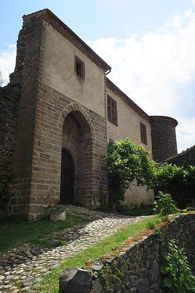 Photo du Monument Historique Prieuré-Château situé à Saint-Arcons-d'Allier