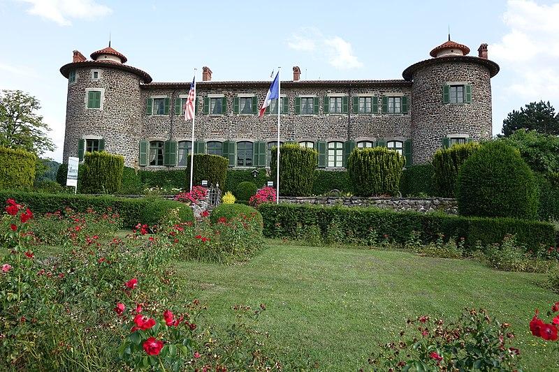 Photo du Monument Historique Château de Chavaniac situé à Chavaniac-Lafayette