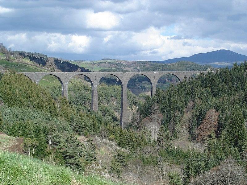 Photo du Monument Historique Viaduc de la Recoumène situé à Le Monastier-sur-Gazeille
