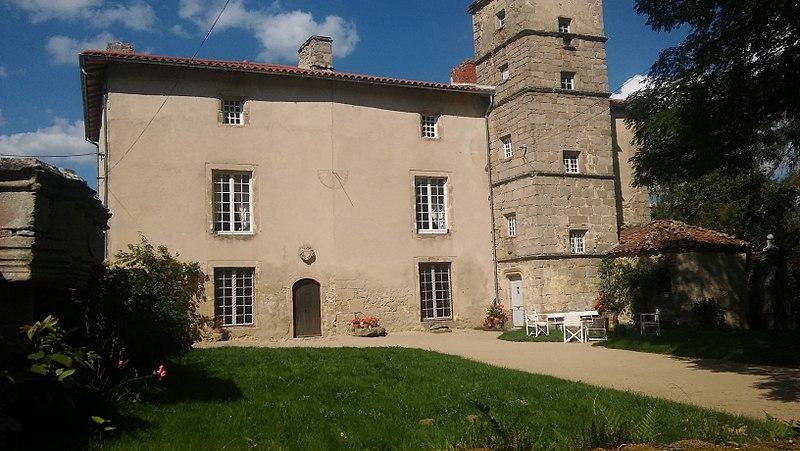 Photo du Monument Historique Château de Folgoux situé à Malvières