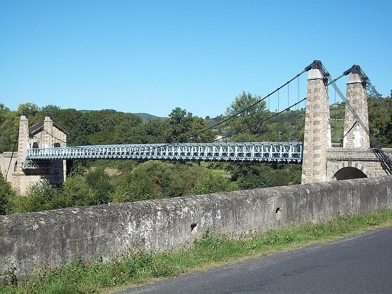 Photo du Monument Historique Pont suspendu de Margeaix (également sur commune de Saint-Vincent) situé à Beaulieu