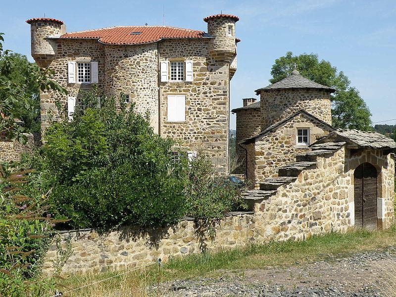 Photo du Monument Historique Château de Mercuret situé à Retournac