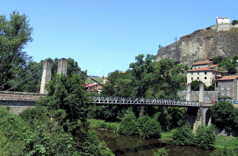 Photo du Monument Historique Pont suspendu de Chilhac situé à Chilhac