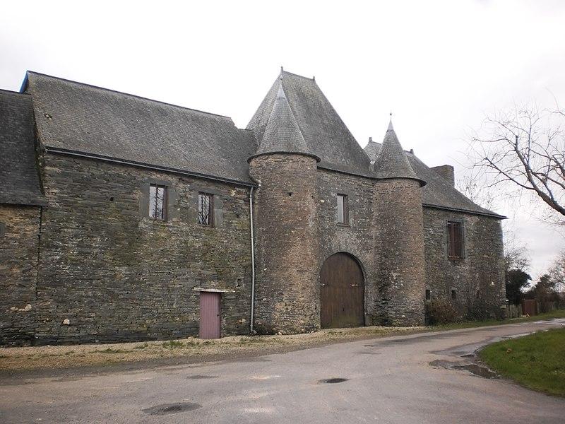 Photo du Monument Historique Manoir de la Petite-Haie situé à Grand-Auverné