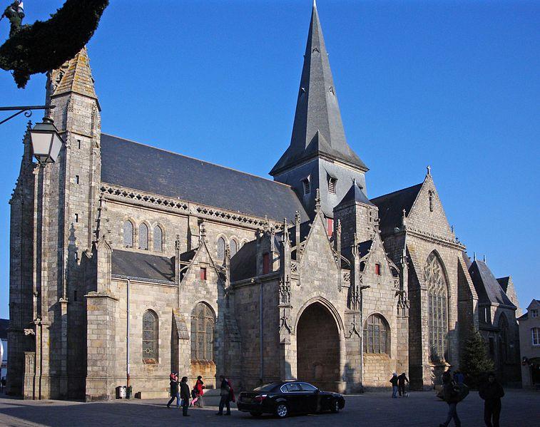 Photo du Monument Historique Eglise Saint-Aubin (ancienne collégiale) situé à Guérande