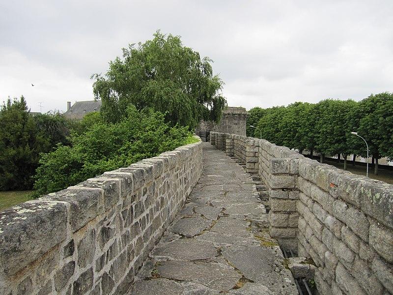 Photo du Monument Historique Remparts situé à Guérande
