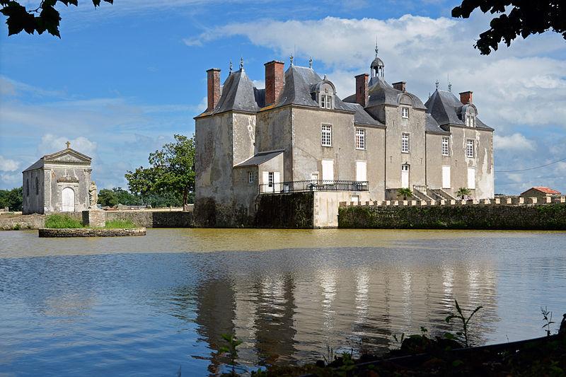 Photo du Monument Historique Château de Bois Chevalier situé à Legé