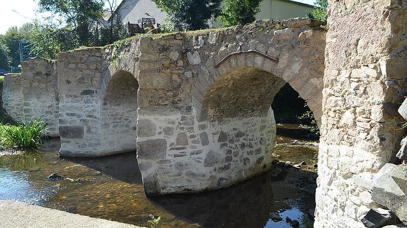 Photo du Monument Historique Pont dit Pont Romain situé à Mouzillon