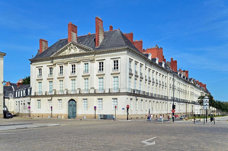 Photo du Monument Historique Hôtel d'Aux, puis hôtel du 11e Corps d'Armée situé à Nantes
