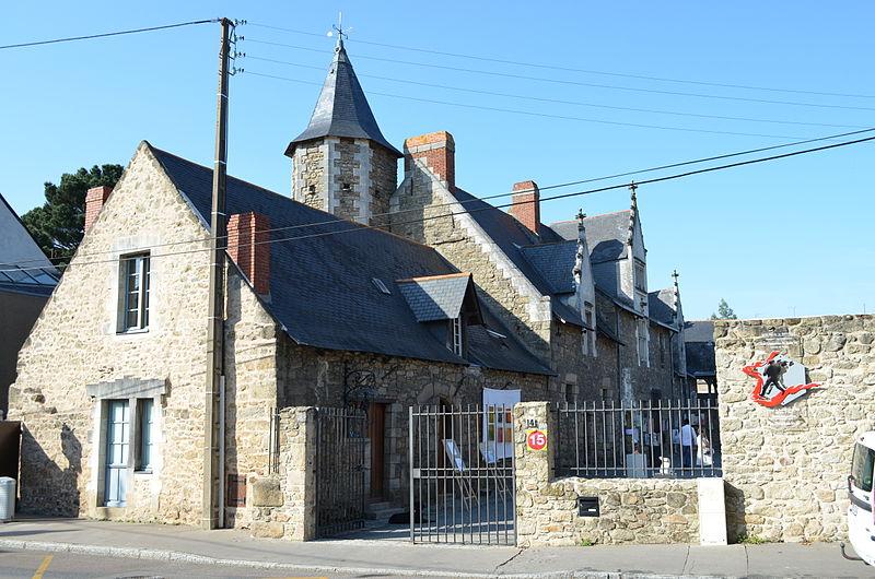 Photo du Monument Historique Manoir de la Hautière (trois vieilles maisons constituant l'ancien) situé à Nantes