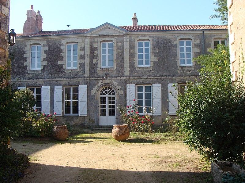 Photo du Monument Historique Hôtel Réal des Perrières situé à Machecoul