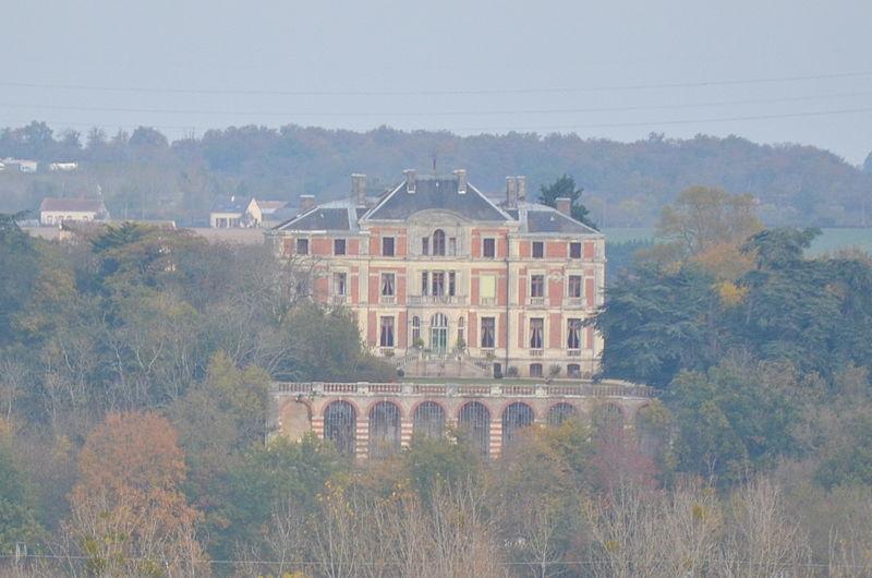 Photo du Monument Historique Château de la Madeleine dit Palais Briau situé à Varades