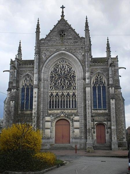 Photo du Monument Historique Eglise paroissiale Saint-Julien situé à Saint-Julien-de-Vouvantes