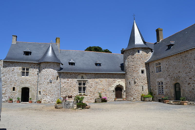 Photo du Monument Historique Manoir de la Hélardière situé à Donges
