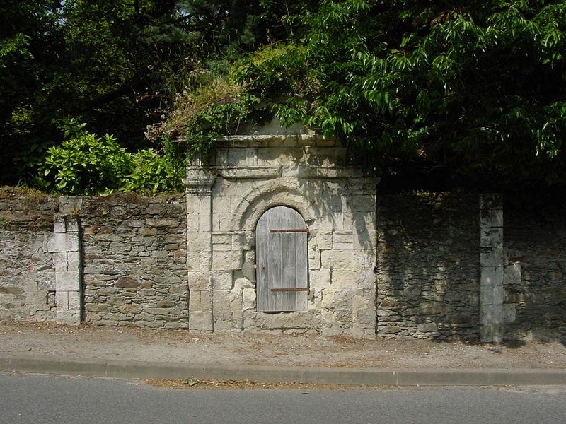Photo du Monument Historique Fontaine Saint-Denis situé à Mauves-sur-Loire