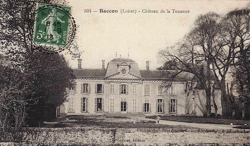 Photo du Monument Historique Château de la Touanne situé à Baccon