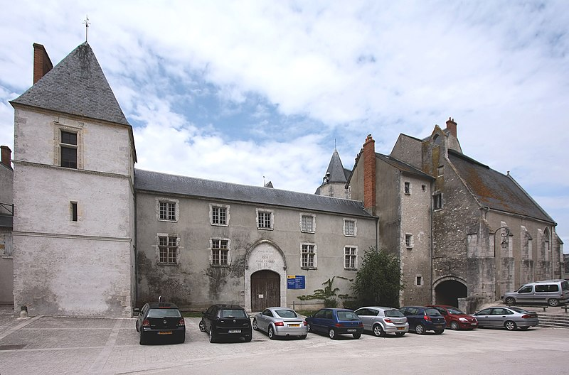 Photo du Monument Historique Château de Dunois, actuellement Musée de l'Orléanais situé à Beaugency