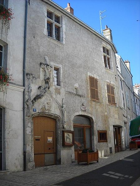 Photo du Monument Historique Maison situé à Beaugency