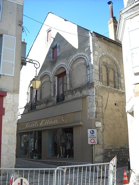 Photo du Monument Historique Maison dite des Templiers situé à Beaugency