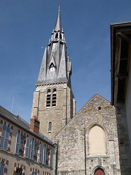 Photo du Monument Historique Eglise Saint-Martin et crypte situé à Beaune-la-Rolande