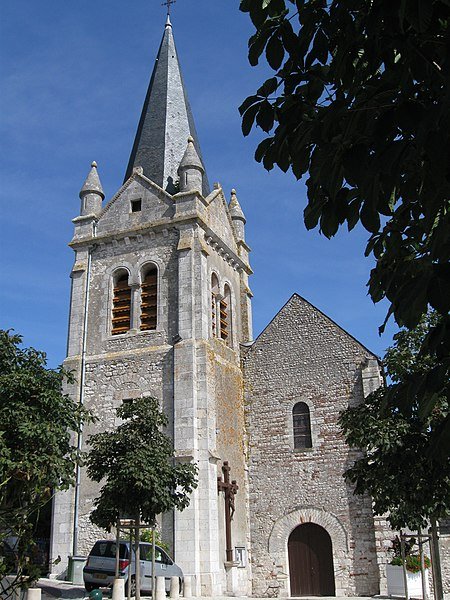 Photo du Monument Historique Eglise Saint-Mesmin situé à La Chapelle-Saint-Mesmin