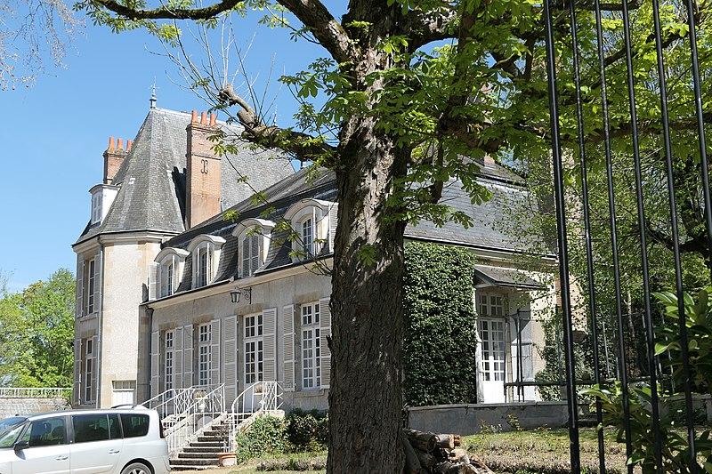 Photo du Monument Historique Château de la Prêche situé à Chécy
