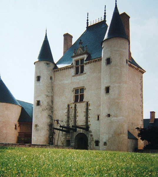 Photo du Monument Historique Château de Chamerolles situé à Chilleurs-aux-Bois