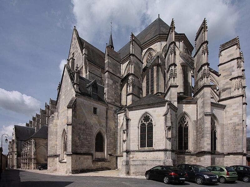Photo du Monument Historique Basilique Notre-Dame situé à Cléry-Saint-André