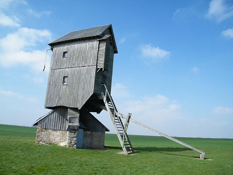Photo du Monument Historique Moulin à vent de Lignerolles situé à Coinces