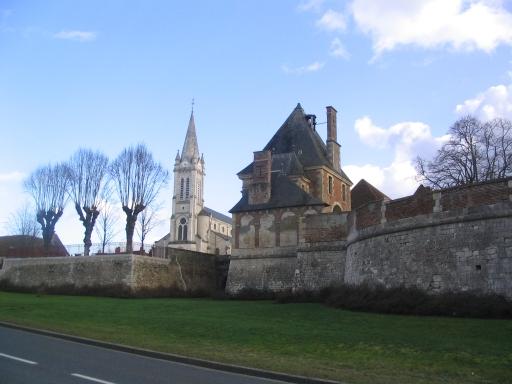 Photo du Monument Historique Château situé à Dampierre-en-Burly