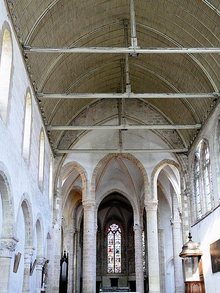 Photo du Monument Historique Eglise abbatiale Saint-Pierre situé à Ferrières