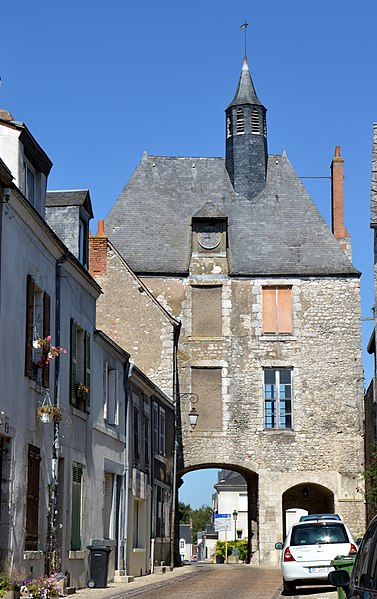 Photo du Monument Historique Porte d'Amont situé à Meung-sur-Loire