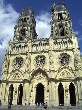 Photo du Monument Historique Cathédrale Sainte-Croix situé à Orléans