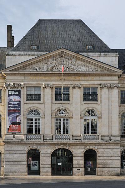 Photo du Monument Historique Chambre de Commerce situé à Orléans