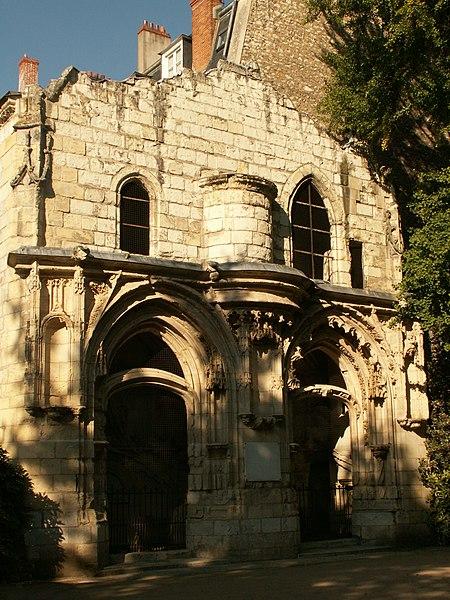 Photo du Monument Historique Vestiges de la chapelle Saint-Jacques situé à Orléans