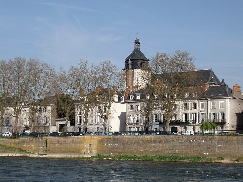 Photo du Monument Historique Eglise Notre-Dame de Recouvrance situé à Orléans