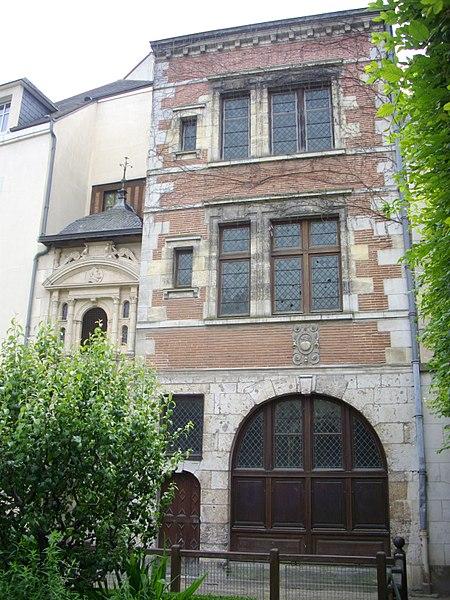 Photo du Monument Historique Maison dite de la Pomme situé à Orléans