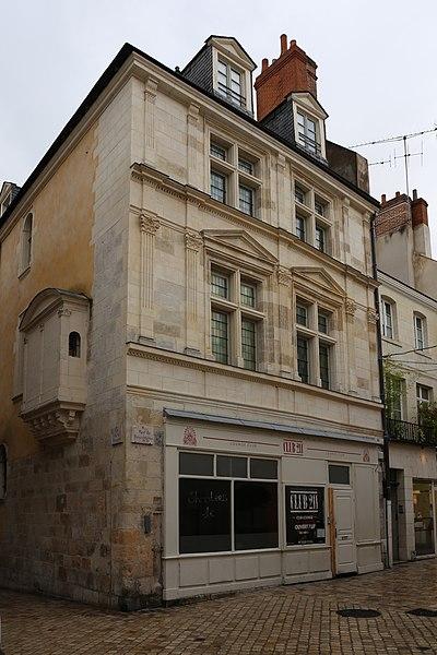 Photo du Monument Historique Maison dite des Chanoines ou hôtel d'Hector de Sanxerre situé à Orléans