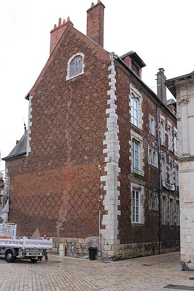 Photo du Monument Historique Maison dite des Chevaliers du Guet situé à Orléans