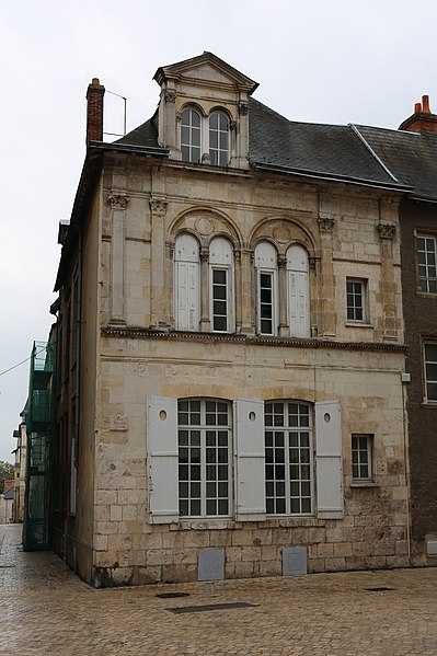 Photo du Monument Historique Maison dite du Coin Saint-Pierre situé à Orléans