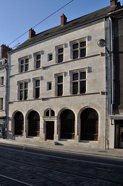 Photo du Monument Historique Maison dite d'Agnès Sorel ou Hôtel Euverte-Hatte, actuellement Centre Charles Péguy situé à Orléans