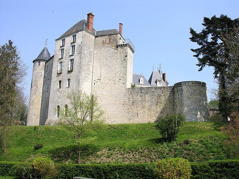 Photo du Monument Historique Domaine de Saint-Brisson situé à Saint-Brisson-sur-Loire